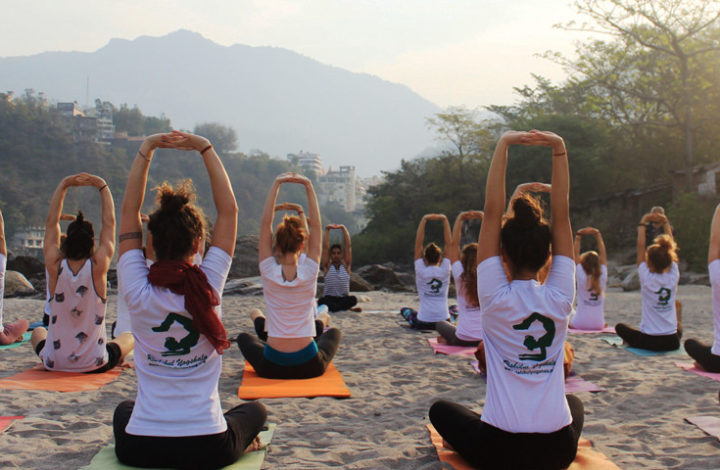 How to Become a Certified Yoga Instructor in Rishikesh, India?
